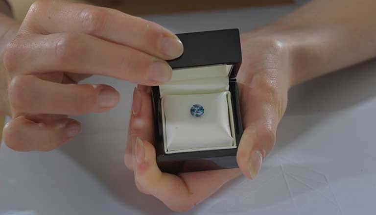Ashes turned into memorial diamond